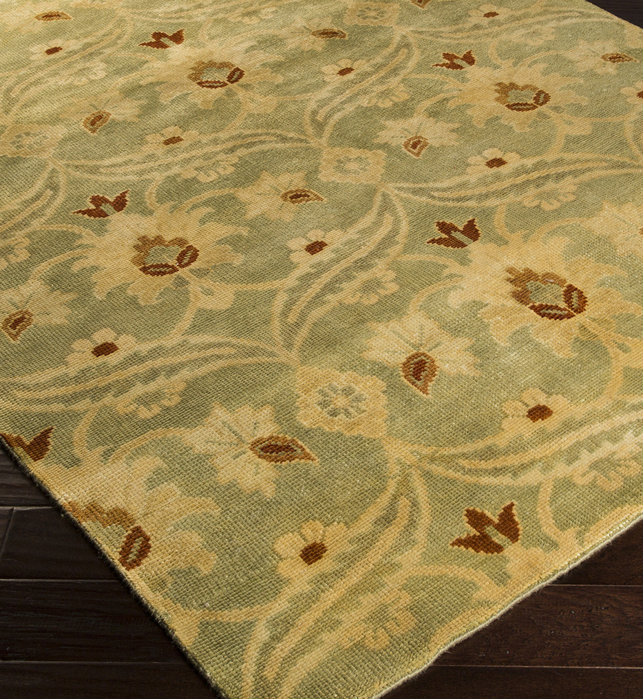Ainsley Traditional Floral Hand Knotted Rug